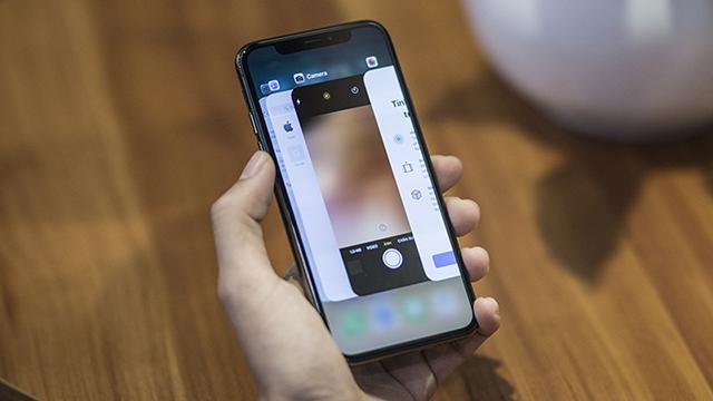 Điện thoại iPhone X tích hợp camera kép